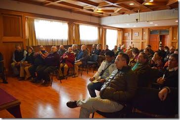 Vecinos, comunidades indígenas y autoridades locales exigen mayor información al proyecto doble vía en Villarrica (1)