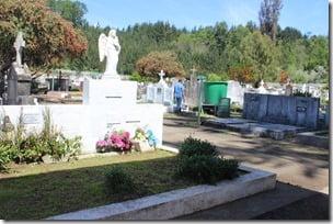 Municipio de Villarrica prepara el cementerio municipal para el 1 de noviembre (2)