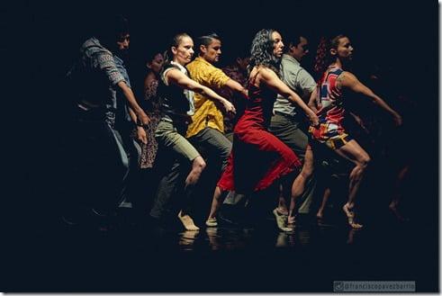 Obra_ De la Tierra al Viento de Claude Brumachon_Cia Danza Espiral_crédito Francisco Pavez.Facultad de Artes UAHC_baja (1)