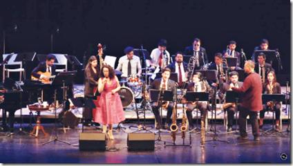 """Espectacular concierto de la """"Big Band Concepción Jazz"""" junto a Claudia Acuña y Pablo Vergara"""